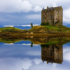 Castle Stalker photo by bluestardrop - Andrea Mucelli