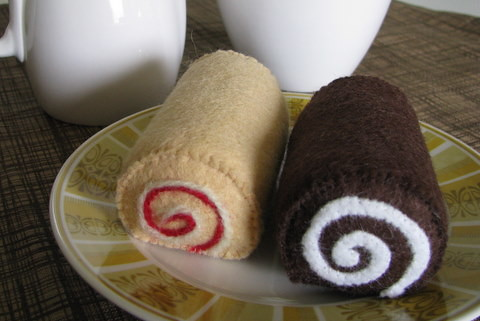 felt sweets: mini jam roll + swiss cake roll