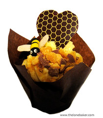 Bee Mine Honey Cupcake photo by The Lone Baker