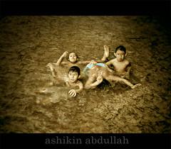 Budak-budak Main Ayaq photo by Ashikin Abdullah©