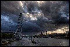 Storm over the Thames photo by Romany WG