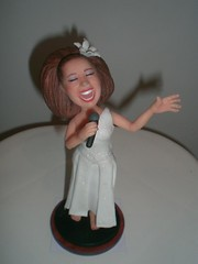 MINI VANESSA CARICATURA homenagem photo by ESCULTURART MINIATURAS- topos de bolo em biscuit