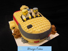 Mungie Cakes - Star Wars Lego Cake photo by MungieCakes