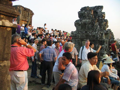 Phnom Bahkeng Crowds