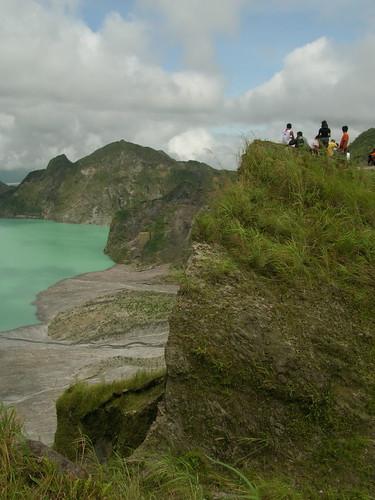 pinatubo crater lake gorge