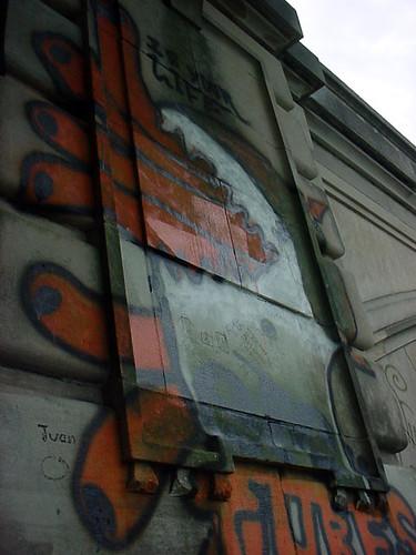 Tubes Graffiti 2638