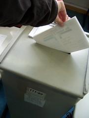 voting action.[der souverän spricht.eine stimme von 61 millionen.]