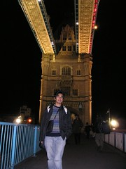 Malam di atas Tower Bridge, London, UK