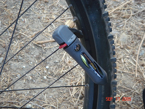 Genuine Innovations Deluxe Bicycle Bike Tire Repair and CO2 Inflation Wallet Kit