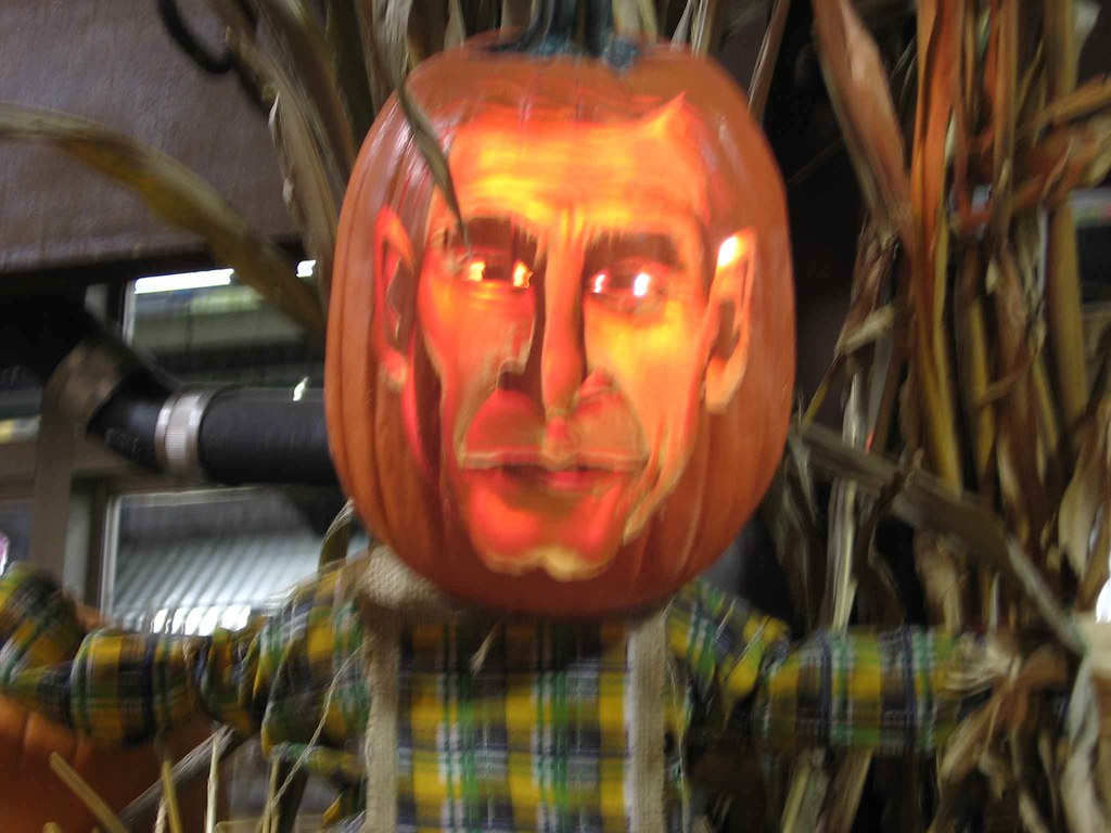 Photo of George Bush pumpkinhead scarecrow