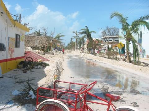 Isla Mujeres Street-Playa