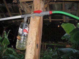 Gambar 30: Botol penjebak kondensasi dan katup keamanan.