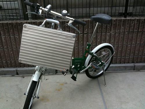 自転車の 自転車 カゴ 折りたたみ 後ろ : 100円で自転車カゴを手に入れた ...