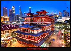 Singapore - Buddha tooth Relic temple photo by Kenny Teo (zoompict)