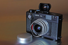 Leica CL with Voigtlander Super Wide-Heliar 15mm photo by RaúlM.