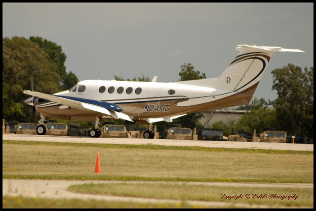 ... Beechcraft Super King Air 200 KOSH N24HD | Flickr - Photo Sharing