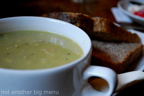The Pilot Inn - Pea and ham soup with bread 2