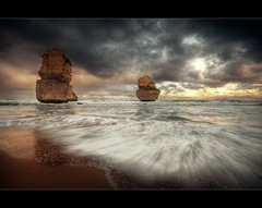 Apostles photo by Grumpysumpy