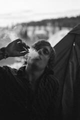 Nostril smoker photo by Magnus Bergström