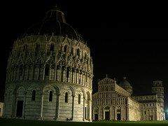 Pisa - Piazza dei Miracoli photo by Geert Orye