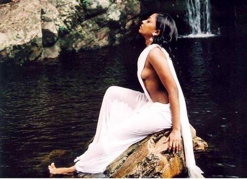 hindi actress images hot. tamil movie hot picture hindi bollywood actress masala saree drop slip