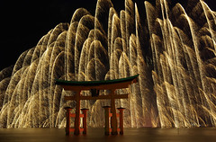 Miyajima Water Fireworks[Worldheritage] photo by h orihashi