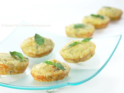 Tortini zucchine, feta e basilico - image @ by Manuela Viel