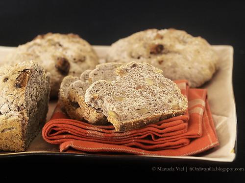 Pane noci e nocciole con pasta madre - immagine © Manuela Viel