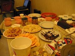 滿桌食物(這只是三分之一)