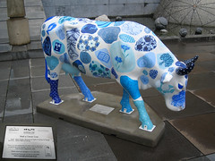 No 26 Watt a  clever cow at Edinburgh Cow Parade 2006