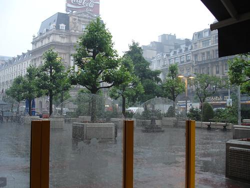 Bruxelas A chuva, depois da canícula