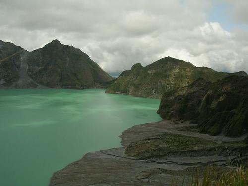 pinatubo crater lake right 2