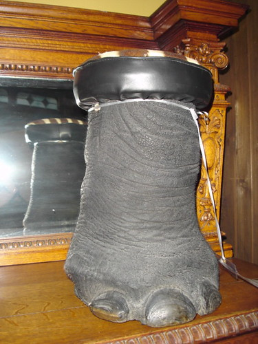Leg stool
