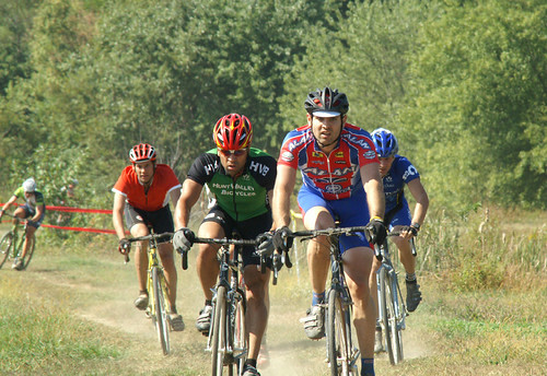 Ed Sander CX leading