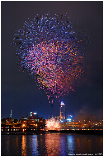 fireworks in Taipei by dans180