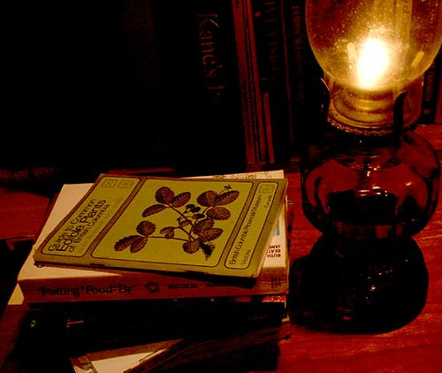 lamp_and_books