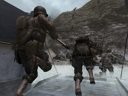 un par de fotos de juegos de guerra