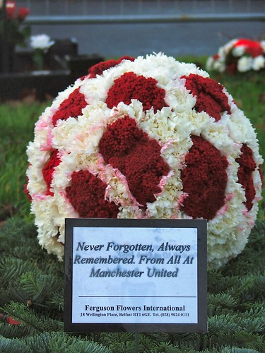 Man United flowers for George