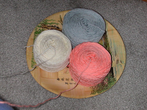 Secret Pal plate w/ yarn