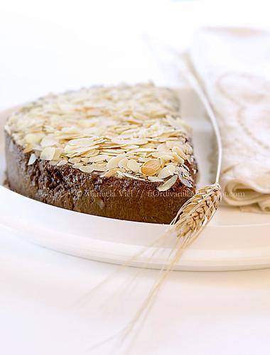 Mousse di cioccolato al cardamomo e caffè con sablée alle mandorle