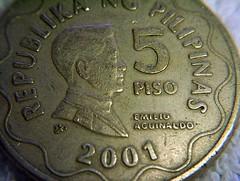5 peso coin circa 2001 - front