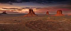 Monument Valley photo by tony.eckersley