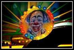 Clowns are Scary photo by what_u_see_is not_what_u_get