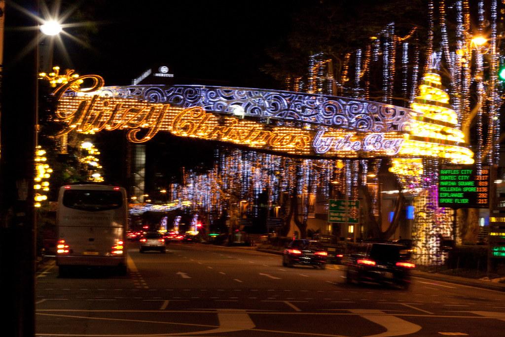 Glitzy Christmas (Raffles City)