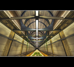 Space Station Warp Tube photo by Ryan Eng
