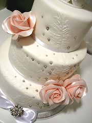 rose wedding cake photo by o´holysweet!