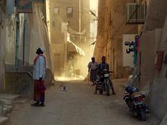 A Passing Moment ~ Shibam, Yemen photo by Martin Sojka .. www.VisualEscap.es