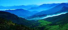 El cielo entre montañas. / The heaven between mountains. photo by Oscar Martín Antón