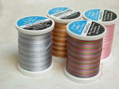 色の変わる糸