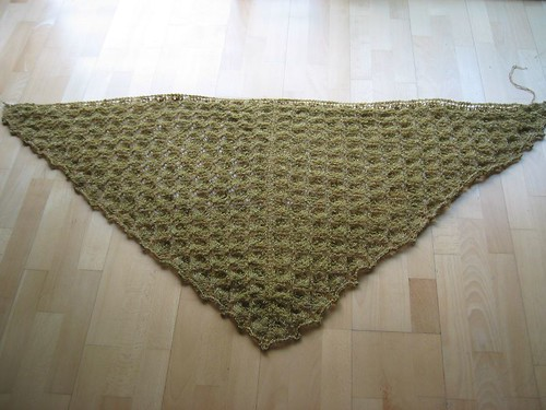 Flower Basket Shawl, antes de blocar